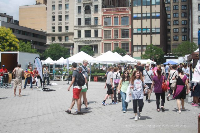 We spent a little time at the Farmer's Market at Union Square, having a few snacks and enjoying music played by street performers.