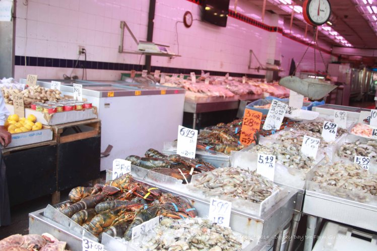 This would be the stinky fish market my sister Jules had a fit over. There were flies all over the fish and the smell was very unpleasant!
